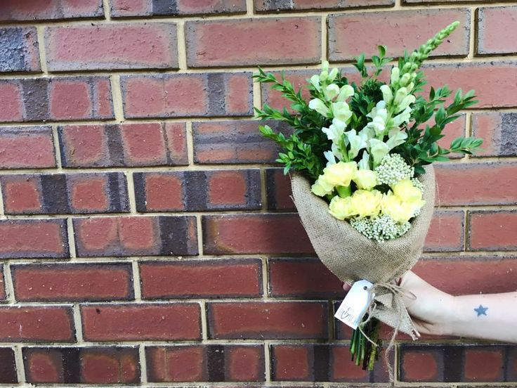 As the Itty Bitty team get excited about our dear friends getting married this weekend, today's bunch is all about romance, enchantment and fairytale endings. (Sorry for getting a bit sappy!)   Show someone some love, order a bunch from www.ittybittybunch.com before 1pm for just $30 including same day delivery.  Go on, make someone's day, the Itty Bitty way...   #ittybittybunch