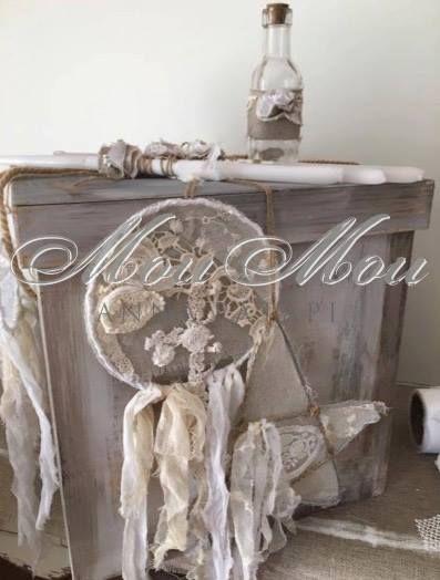 Υπόλευκο ξύλινο κουτί με επεξεργασία ντεκαπέ και χειροποίητες ονειροπαγίδες. Off-white decape wooden box with handmade dream catchers.  #annapatapi #moumou2017 #vintage #romantic #Moumounewcollection #specialoccasions #childrenswear #Official #Nursery #outfit #wedding #dress #romanticweddingdress #επίσημο #παιδικό #ρούχο #γάμος #νυφικό #αγόρι #κορίτσι #boy #girl #baby #βάπτιση #βαπτιστικά #ρομαντικό #φόρεμα