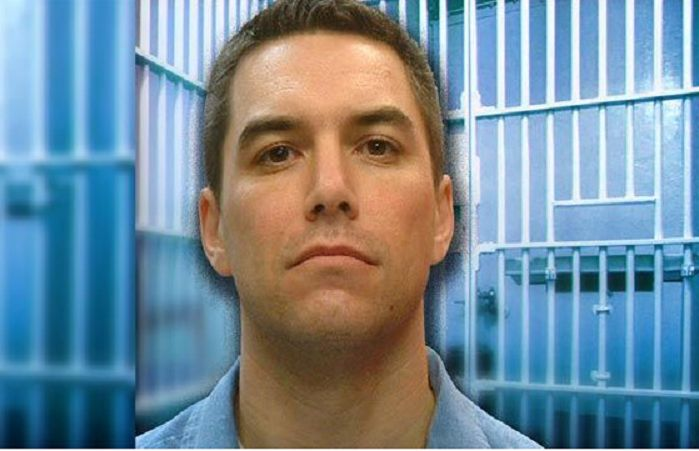 "Scott Peterson Living ""Cushy"" Life on Death Row After Killing His Wife, Unborn Baby 