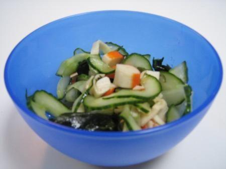 Salade de Surimi, Concombre et Algue Wakame (Japonais)