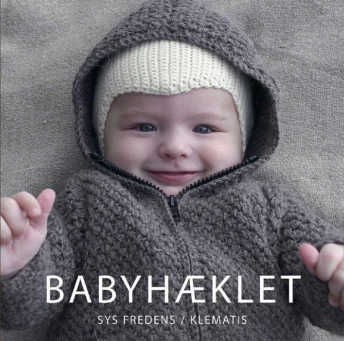 14 hæklede modeller til de helt små, dvs. størrelse nyfødt til ét år. Her er alt, hvad den lille har brug for i det første år – body og bukser, trøjer og kjoler, jakke og hue. Desuden er der en kørepose og et svøb samt futter og hagesmæk. Praktisk 15 x 15 cm-format.