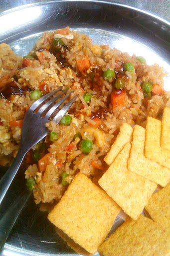 10-minute Chinese Fried Rice | Eatomaniac :)