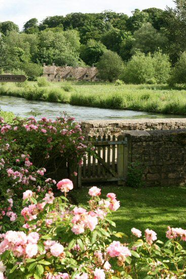 Bibury, Cotswolds, UK: Rose Gardens, Secret Gardens, Cottages Gardens, Stones Wall, Beautiful, English Gardens, Gardens Gates, English Country Gardens, English Countryside