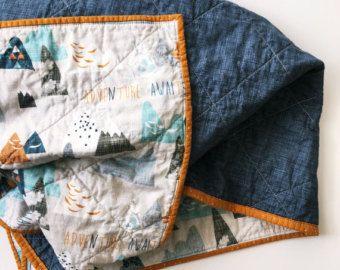 Gender neutraal Quilt, Baby beddengoed, blauw oranje kwekerij, Baby Quilt, reizen kwekerij, Boho beddengoed Wholecloth Quilt, Boy kwekerij