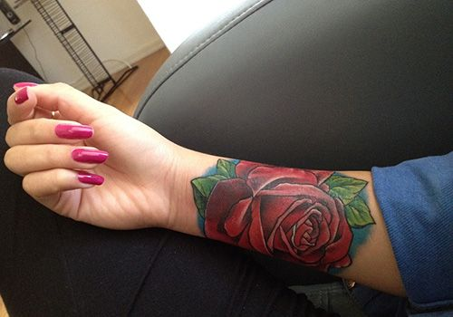 rose tattoos for girls | 26 Beautiful Traditional Rose Tattoo Designs | CreativeFan