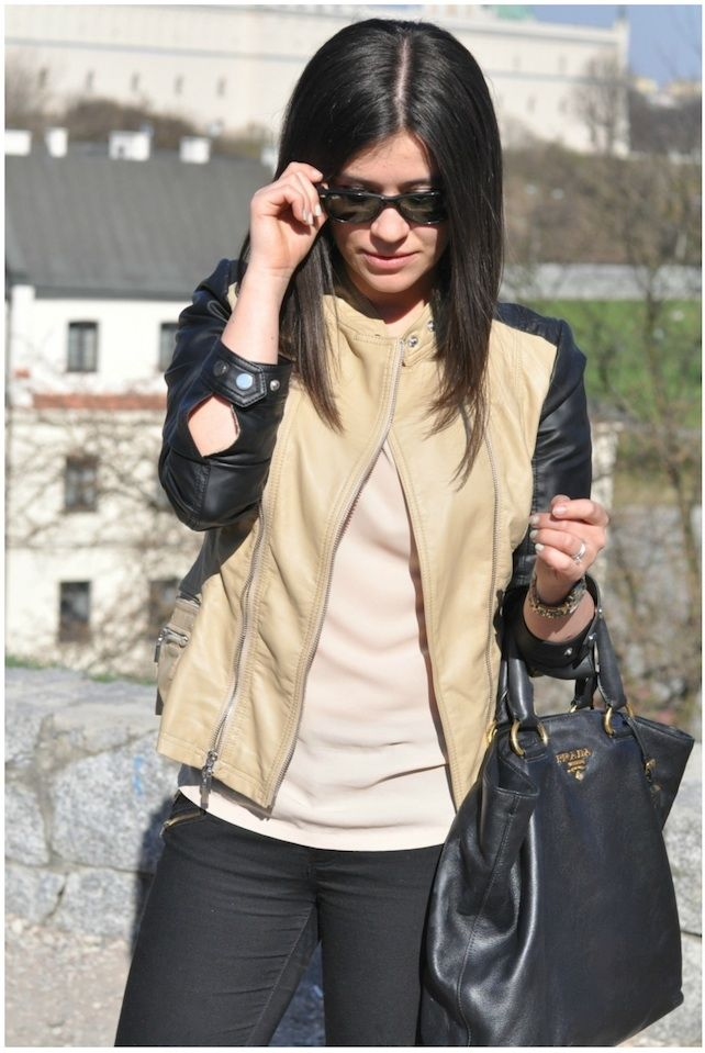 Our favourite Fashionelka wearing Mohito jacket and blouse :) www.fashionelka.pl
