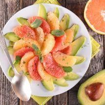 Simple et légère, voici une salade originale ! Salade pamplemousse avocat sur…