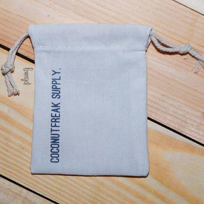 Souvenir drawstring pouch Yogyakarta berkualitas dan murah #souvenirjogja #souvenirnikahan more info: http://plungcreativo.com