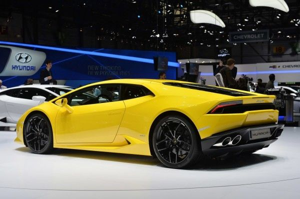 2015 Lamborghini Huracan LP 610-4 in Auto Show rear angle photo