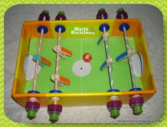 ** Maria Reciclona **: Como fazer uma mesa de PEBOLIM reutilizando caixa de papelão.