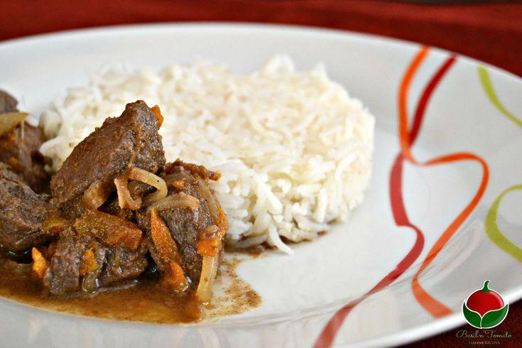 Lo Spezzatino Speziato è un piatto unico, accompagnato dal riso basmati, molto saporito e facile da fare!