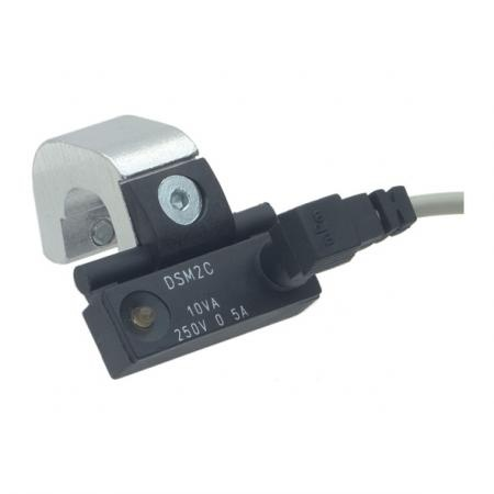 GN896.1 - GN896.2 Proximity Switch With Mounting Bracket
