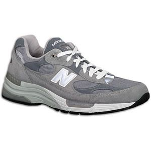 The New Balance 992 running shoe is built for the mild-to-moderate overpronator who requires a combination of cushioning and enhanced stability. Lightweight and supportive synthetic and mesh upper. ABZORB® SBS in heel and forefoot gives maximum shock absorption. Encap® polyurethane rim with C-Cap® molded EVA midsole provides ultimate cushioning and support. Lightweight N-Durance™ rubber outsole adds maximum durability in high wear areas. Wt. 14.7 oz.