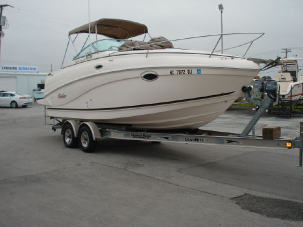 2004 Rinker 250 Fiesta Vee Power Boat For Sale - www.yachtworld.com