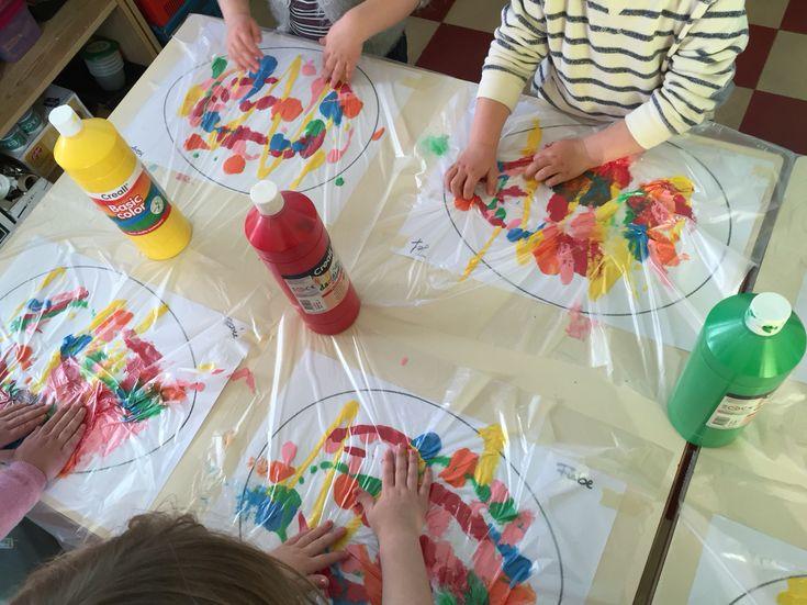 Paaseitjes schilderen via wrijftechniek