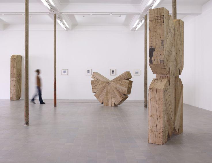 Raphaël Zarka  Les Prismatiques, 2011. Série de six sculptures, chêne, Production le Grand Café. Courtesy galerie Michel Rein, Paris © Marc Domage