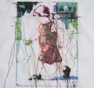 Textil Kunst. Sieht aus wie mit einem Strohhalm gepustet. Wer kennt das noch aus Kindertagen?