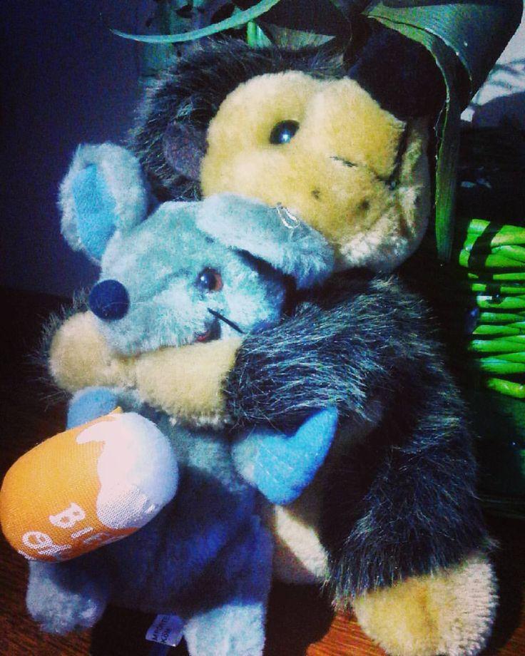 Просто приятное фото. Обниииимаааашкииии)) 😘 #обнимашки #друзья #дружба #хорошоенастроение #friends #friendship #toys