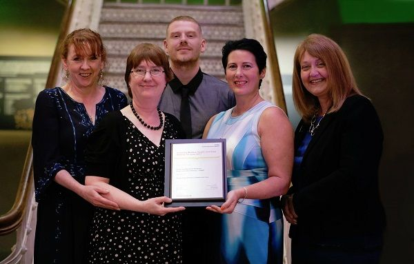 UHMBT staff receive award winning bereavement training http://www.cumbriacrack.com/wp-content/uploads/2017/06/512672bdf1729c3a3f0106ae476a0a64.jpg The Learning and Development team at University Hospitals of Morecambe Bay NHS Foundation Trust (UHMBT) recently received the 'Supporting Learners Project Award'    http://www.cumbriacrack.com/2017/06/30/uhmbt-staff-receive-award-winning-bereavement-training/