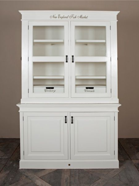 New England Fish Market Cream by Rivièra Maison. New England Fish Market is already a classic. The ultimate kitchen cabinet with labelled compartments so everyone knows what is supposed to go where. On the side there is room for spices and cookbooks. Dimensions (in cm): 155 x 230 x 55 Article number: 102440