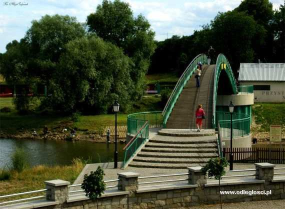 Mostek nad wejściem do portu - Nowa Sól,