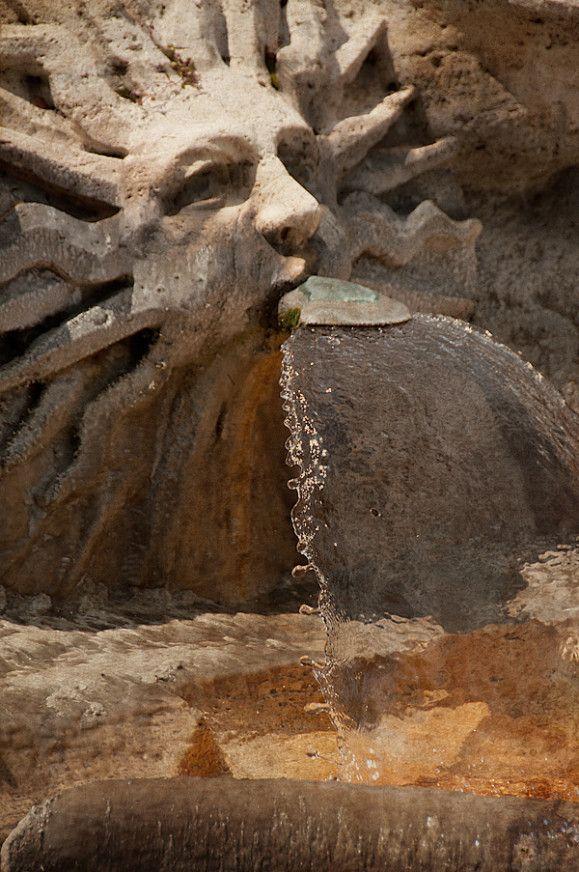 fontaine piazza di spagna
