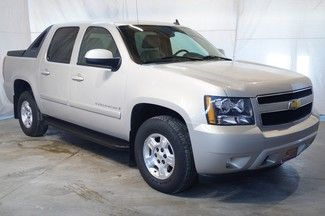2008 Chevy Avalanche looks like mine except mine is 07