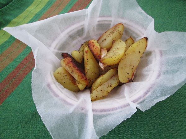 Patate al cartoccio con origano ed aglio
