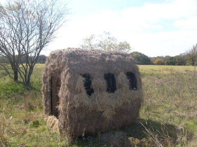 Hunting Blind Wood Stacking And Hay Bales Hunting