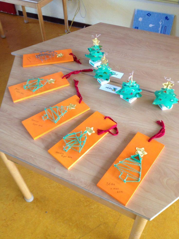 * Kerstboom van spijkers en wol!