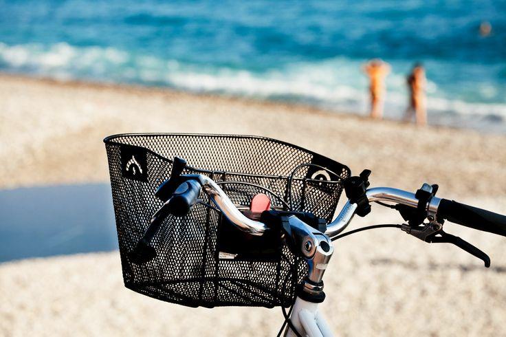 Nizzan upea ilmasto, meri ja läheiset vuoret eivät ole vain kauniita katsella vaan antavat paljon mahdollisuuksia harrastaa erilaisia urheilulajeja. #nice #france #matka #loma #holiday #travel #tjäreborg