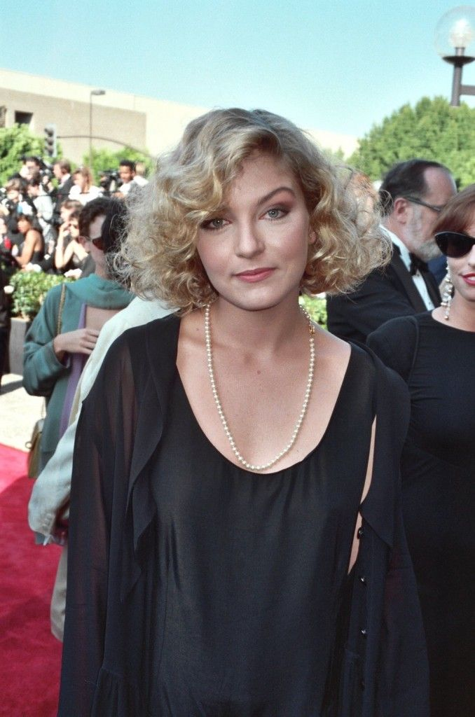 Sheryl Lee at the 1990 Emmy awards