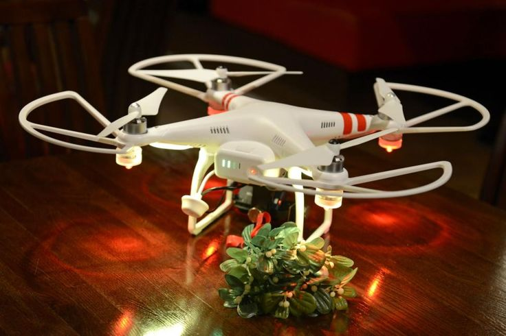 The Mistletoe Drone at TGI Fridays.