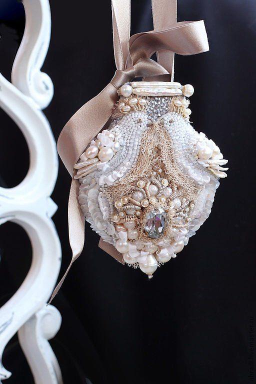 Вышитые винтажные украшения от Elena Abradi. Часть V - Журнал Розочки, любительницы вышивать лентами.
