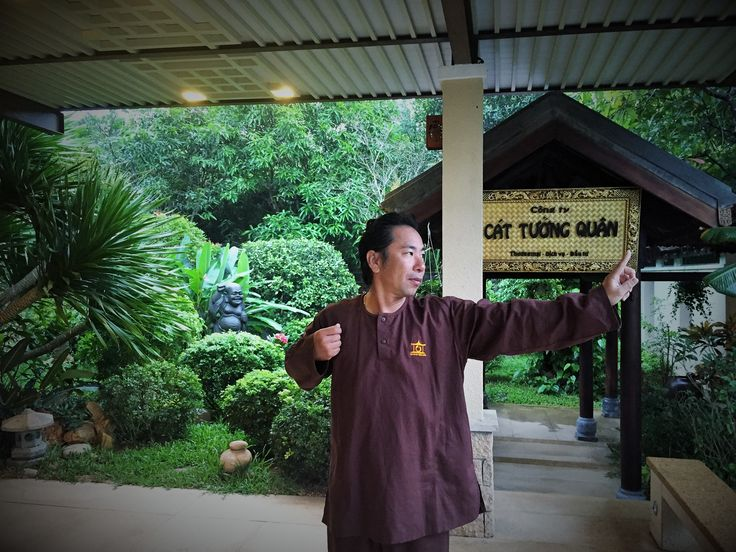 Qigong exercises focuse on deep breath and slow movements.