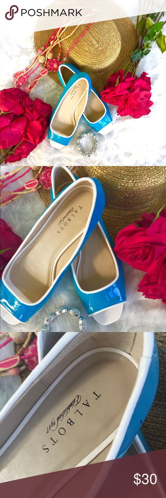GORGEOUS TALBOTS FLATS❤️ It's NWOT, never worn blue and white flats great with any look. It's super cute and super fashionable. Will be a great addition to your closet. Get the style❤️ make an offer💋 Talbots Shoes Flats & Loafers