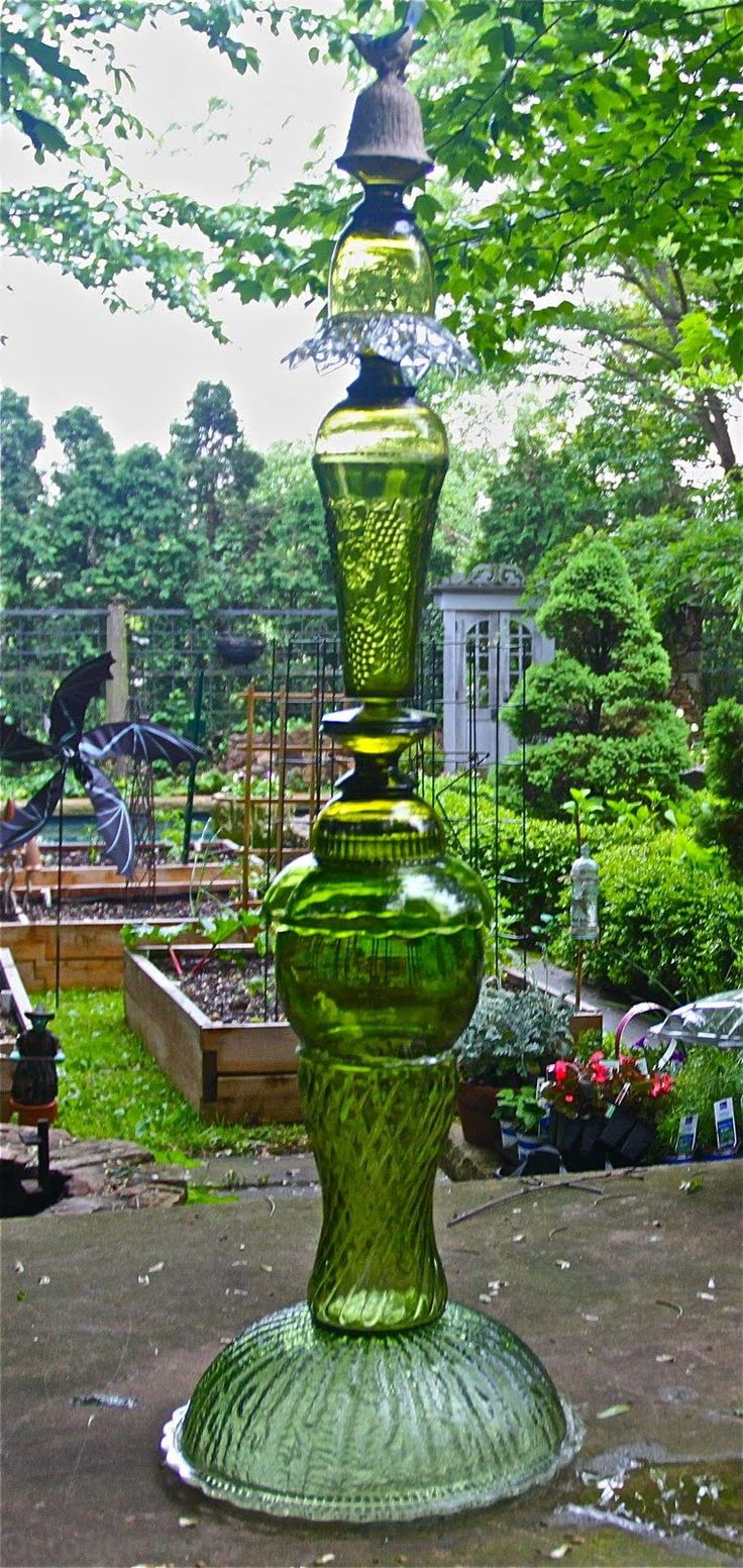 186 best Glass totems images on Pinterest | Garden totems, Glass ...