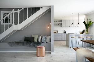 Three Bird Renovations add a splash of Taubmans to transform the staircase