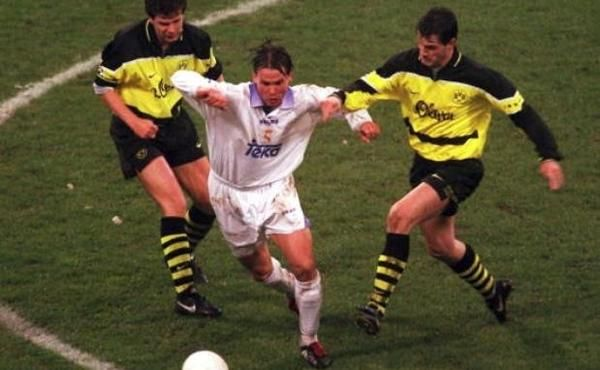 Fernando Redondo (Real Madrid, centre) in one of his best games remembered with a huge defensive work, Andreas Möller (Borussia Dortmund, left) and Stefan Reuter (Borussia Dortmund, right). Champions League semi-final 2nd leg, on 15 April 1998, Borussia Dortmund vs Real Madrid 0-0 (1st leg 2-0, goals : Christian Karembeu and Fernando Morientes).