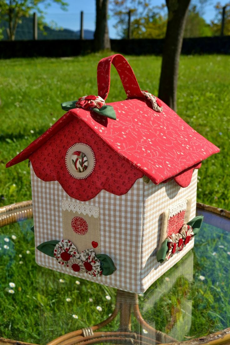 darling little fabric house - more inspiration than direction for me...