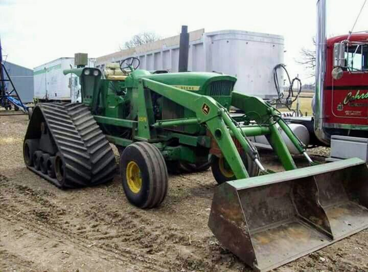JOHN DEERE 4520 with Rear Tracks