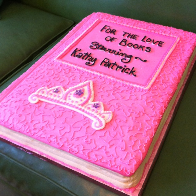 Book Shaped Cake Images : 1000+ images about Book Look-A-Like on Pinterest Modern ...
