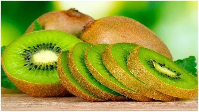 Orang-orang tertarik untuk buah Kiwi karena warna hijau brilian dan rasa eksotis. Tapi, keunikan nyata buah kiwi berasal dari manfaat buah kiwi untuk kesehatan. Baca 14manfaat buah kiwi yang menajkubkan untuk kesehatan, fakta menarik, dan bagaimana menggunakan powerfood menakjubkan ini. Membantu pencernaan Anda dengan Enzim Kiwi mentah mengandung actinidain, enzim protein-larut yang dapat membantu mencerna… Read More