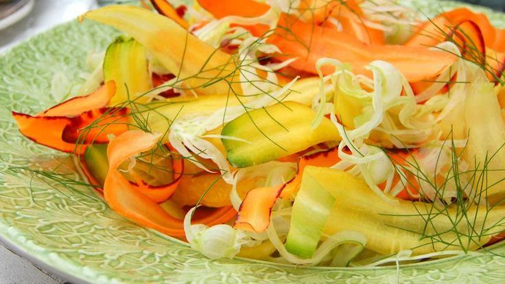 Rå grønnsaker med dipp
