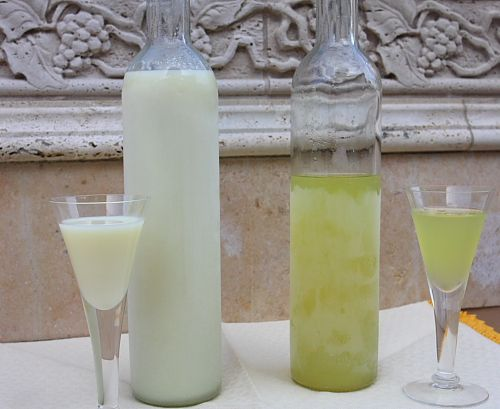 My husband makes limoncello, but we just found this recipe for Crema di Limoncello. Oh my...