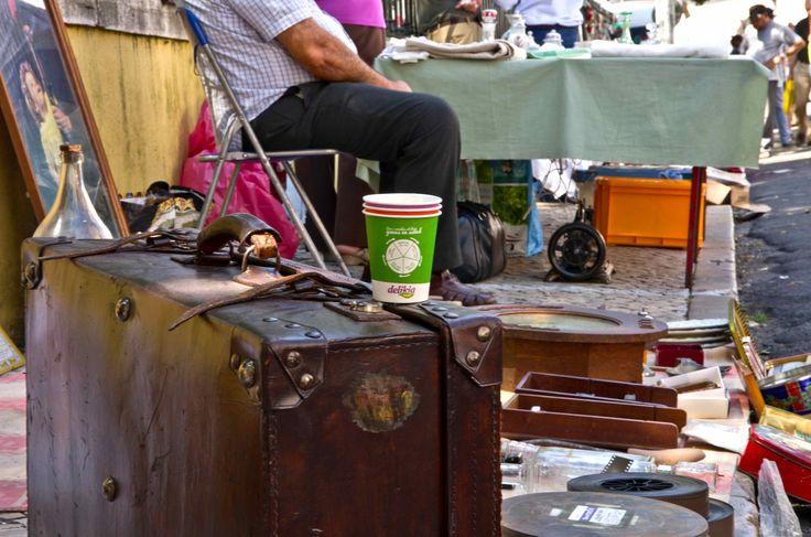 El #vasoviajero en Feria Da Ladra. #Lisboa2014