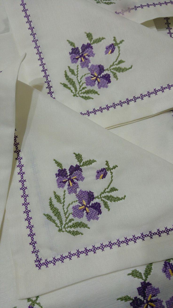 Резултат с изображение за cross stitch napkin , pinterest
