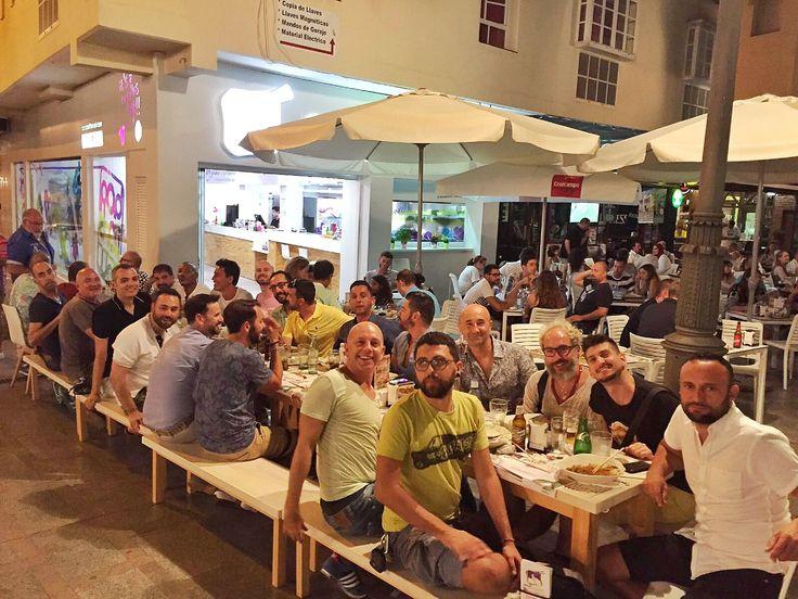 Impresionante el #ambientazo que vivimos ayer en Padthaiwok Torremolinos con una inédita mesa de 23 amigos con ganas de pasarlo bien!! Muchas gracias por habernos elegido, lleváis el #HaveFun al punto máximo!! 😃