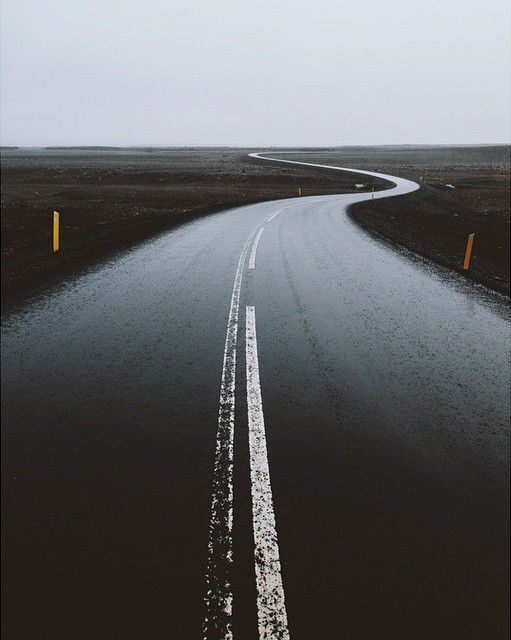 (Vanishing point, Finn Beales), Peteski | Dream Roads | Road Trip | Road photo | road | on the road | wanderlust | travel | drive | landscape photography | Schomp BMW