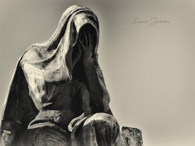 Atrapados por la imagen: El dolor - Cementerio de Recoleta.